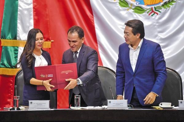 El Proyecto de Presupuesto incluye 965 mil millones de pesos para cumplir el pago de pensiones. Foto: Pablo Salazar