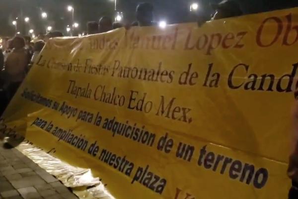 Mariachis_protesta_Chalco_serenata_palacio_nacional