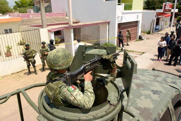 Elementos de la Secretaría de Seguridad Pública y del Ejército aseguraron un supuesto narcolaboratorio en Sinaloa. FOTO: JUAN CARLOS CRUZ /CUARTOSCURO.COM