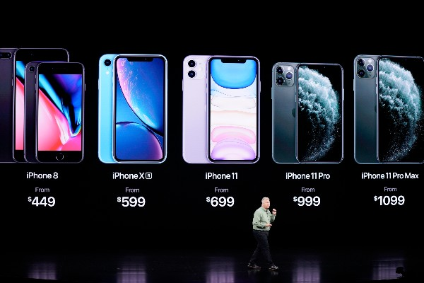 Phil Schiller, vicepresidente de marketing, habla sobre el nuevo iPhone 11 Pro y Max. FOTO: AP Photo/Tony Avelar
