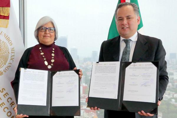 El convenio fue suscrito por la titular de la Secretaria de Economía, Graciela Márquez Colín, y el titular de la UIF, Santiago Nieto Castillo. Foto: Especial.