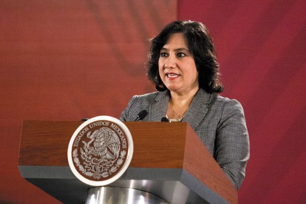 TESTIMONIO. La secretaria de la Función Pública, ayer fue entrevistada por la periodista Adela Micha en El Heraldo Radio. Foto: CUARTOSCURO