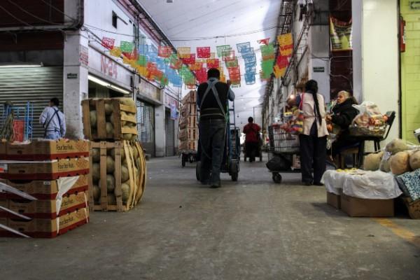 La Central de Abastos de la Ciudad de México es el principal centro de abastecimiento de frutas, legumbres, pescados y mariscos, productos cárnicos, y abarrotes de la capital. Foto: Cuartoscuro