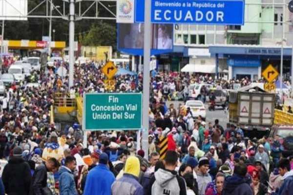Ecuador_da_libre_paso_venezolanos