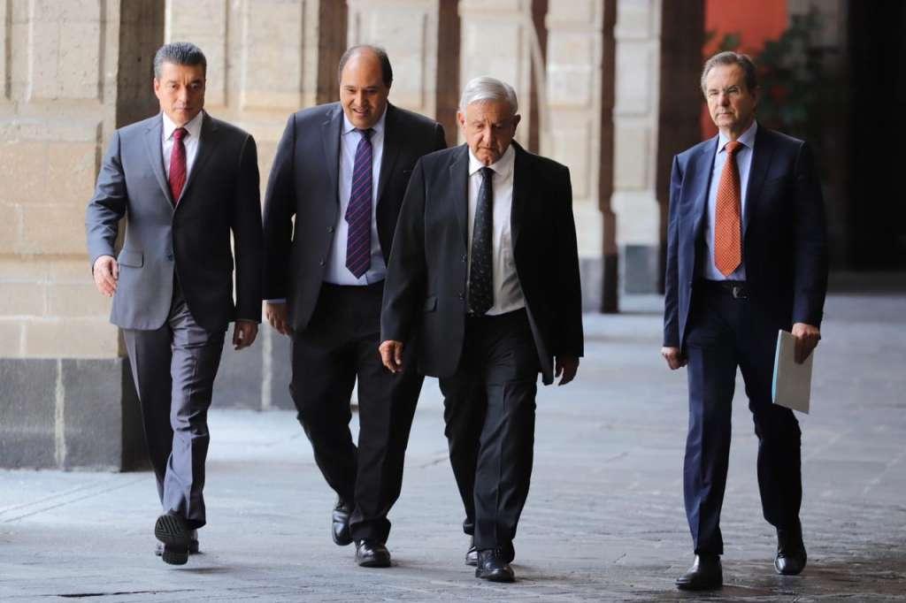 Acuerdo del gobierno de Chiapas y la CNTE en Palacio Nacional.   Foto: Especial