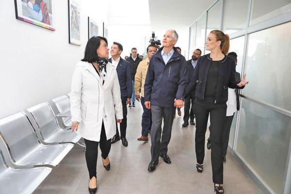 ESPACIO. El gobernador Alfredo Del Mazo recorrió las nuevas instalaciones. Foto: Especial.