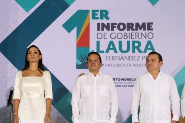 Laura Fernández reconoció el apoyo de Carlos Joaquín a los habitantes de Puerto Morelos. Foto: Especial