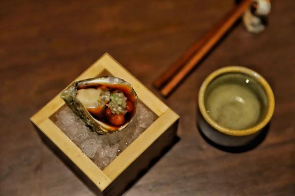 Sus platillos están impregnados de la precisión técnica de la cocina japonesa. Foto: Víctor Gahbler