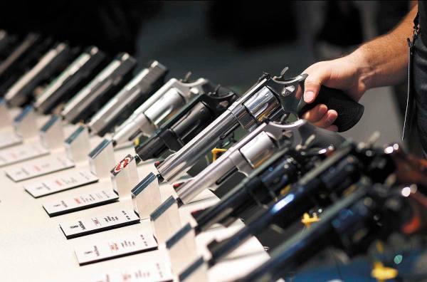 FERIA. En Las Vegas se realiza anualmente una feria de armas que tiene alta afluencia. Foto: AP