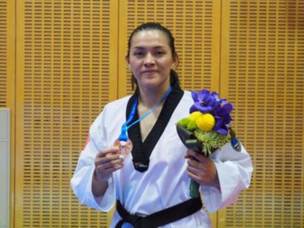 María_Espinoza_bronce_Japón_Chiba