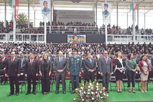 HONOR. Miguel Barbosa encabezó la ceremonia por el 172 Aniversario de la Gesta Heróica de los Niños Héroes. Foto: Enfoque.