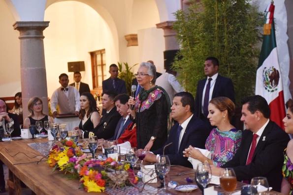 La funcionaria federal arribó a la Casa de Visitas de Dolores Hidalgo. FOTOS: Especial