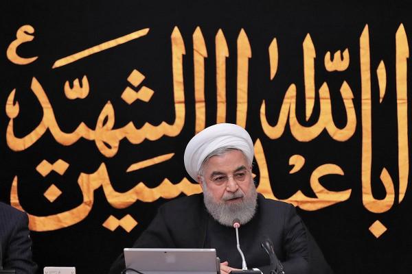 TENSIÓN. El presidente iraní Hasán Rohaní habla en una reunión de gabinete en Teherán. Foto: AFP