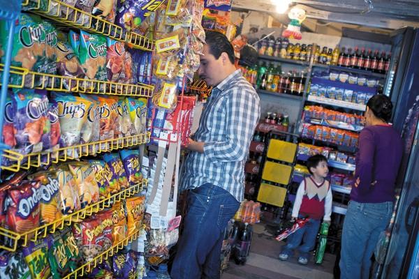 REALIDAD. Los pequeños negocios generan 78 por ciento del empleo en el país. Foto: Cuartoscuro