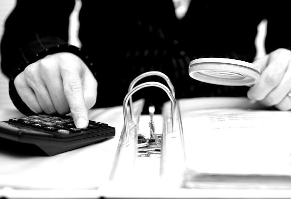 Un contribuyente cautivo no sabe que está evadiendo al fisco. Foto: Especial