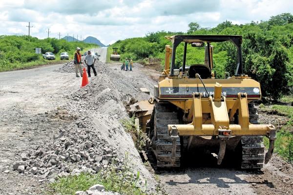 IMPORTANCIA. 11 caminos libres reciben la inversión para su mantenimiento. Foto: Cuartoscuro