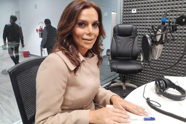 Diana Sánchez Barrios, fundadora de Prodiana AC y líder de los ambulantes en el Centro Histórico en cabina