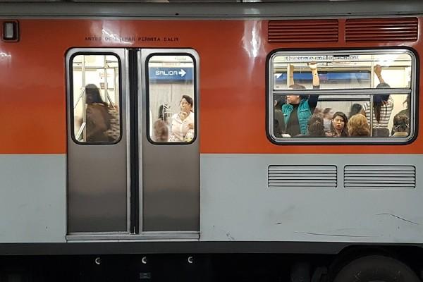 Los hechos ocurrieron en la estación Pino Suárez de la Línea 1. Foto: Pixabay