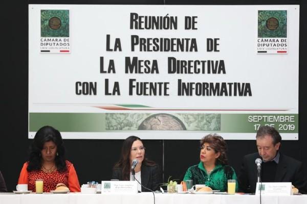 Laura Rojas aseguró que se está afinando el protocolo para garantizar la seguridad de los trabajadores y legisladores en caso de algún bloqueo magisterial. Foto: Especial
