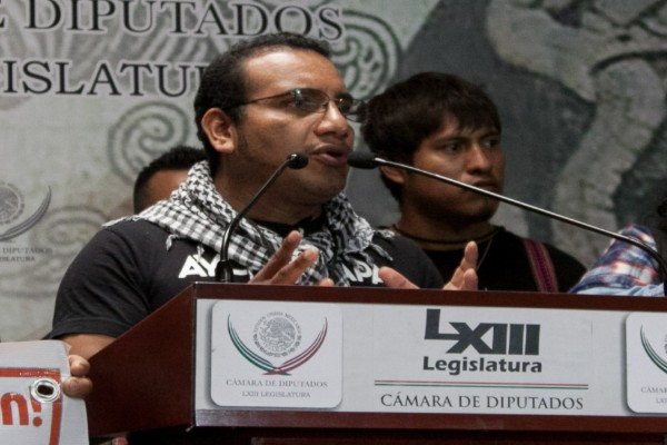 Ayotzinapa_abogado_Vidulfo_Rosales