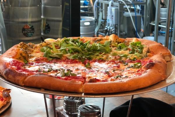 lugares_para_comer_orlando_pizza_cerveza_lake_nona