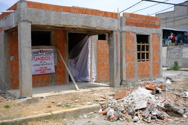 Recorrido en la colonia del Mar, alcaldía Tláhuac, por las casas de los damnificados que sufrieron daños tras el sismo del 19 de septiembre del 2017. FOTO: GRACIELA LÓPEZ /CUARTOSCURO.COM
