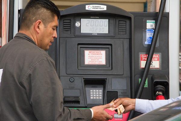 Del viernes 13 al martes 17 de septiembre, el precio de la mezcla mexicana se disparó 12.7 por ciento, al pasar de 53.64 a 63.66 dólares por barril. Foto: Cuartoscuro