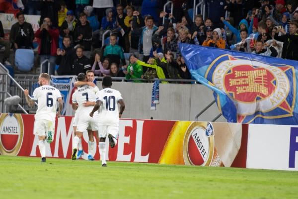 Slovan Bratislava aprovechó un error grosero de Karius para el primer gol. FOTO: AP