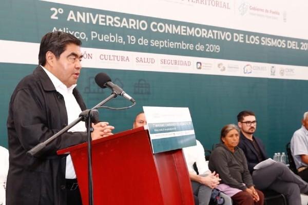 En Puebla iniciarán un proceso de licitaciones públicas para instalar nuestra propia alerta sísmica. Foto: Twitter@MBarbosaMX
