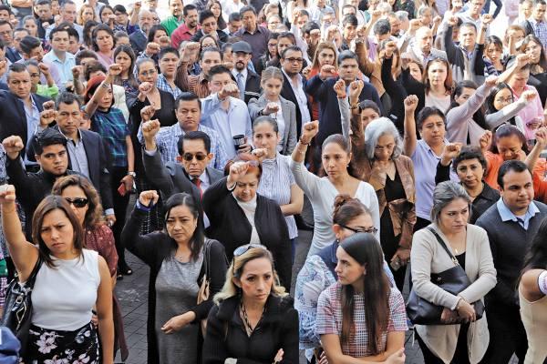 HOMENAJE. Los ciudadanos hicieron un reconocimiento a las víctimas de los temblores. Foto: ENFOQUE