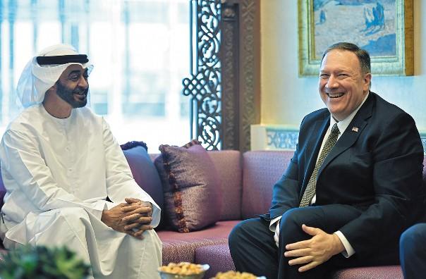 REUNIÓN. El secretario de Estado de EU, Mike Pompeo, visitó Abu Dabi. Foto: AP