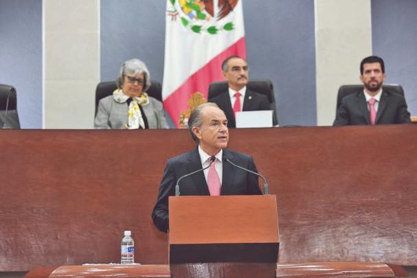 NEGOCIOS. El gobernador resaltó el interés de la IP por la entidad. Foto: Especial