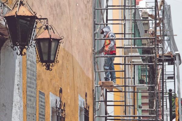 OBRA. Ya se trabaja en la reparación de 17 templos católicos y cinco inmuebles históricos. Foto: Enfoque