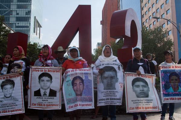 Ayotzinapa: 5 documentales que no debes perderte para entender lo que sucedió