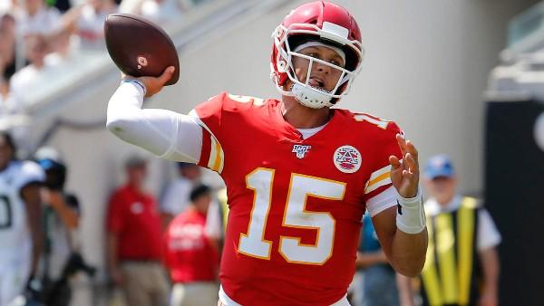 LÍDER. Pat guió a los Chiefs para derrotar a los Ravens, 27-24 en tiempo extra, en 2018. Foto: AP