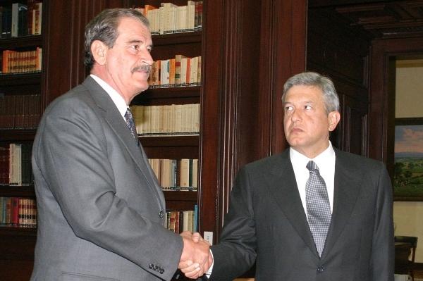 Vicente Fox y López Obrador cuando el primero era presidente y el segundo jefe de gobierno. Foto: Cuartoscuro