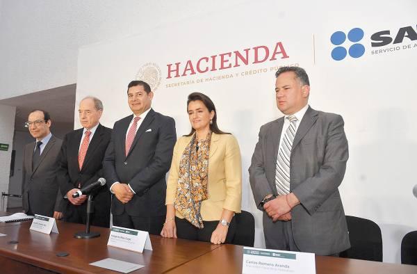 LUCHA DIARIA. El senador Armenta dice que se combate a la corrupción. Foto: Pablo Salazar Solís.
