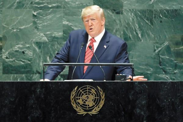 Trump dijo que sí frenó 400 millones de dólares en ayuda para Ucrania, pero negó que fuera para perjudicar a Joe Biden. Foto: AP