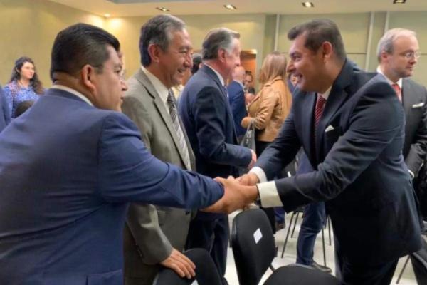 Senador Alejandro Armenta en reunión con empresarios FOTO: TWITTER @armentaconmigo