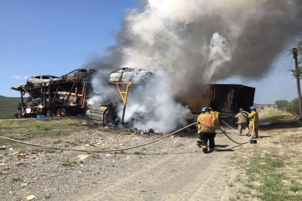 incendio_trailers_choque_tamaulipas