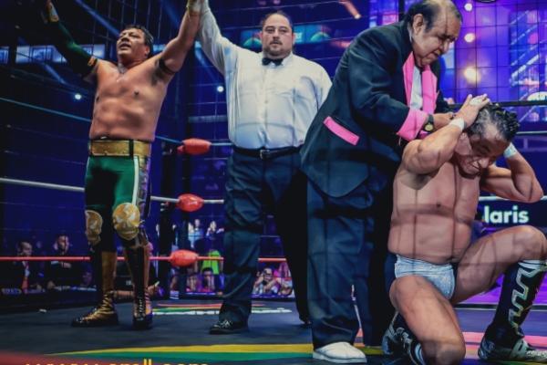 Negro Casas perdió la caballera ante Último Guerrero. Foto: CMLL