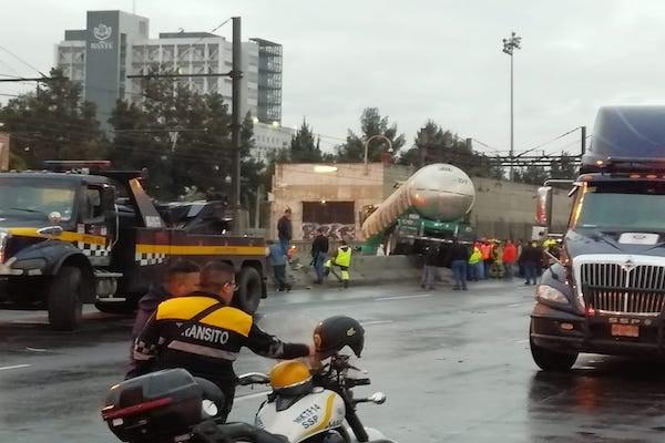 Pipa impacta muro estacion tepalcates