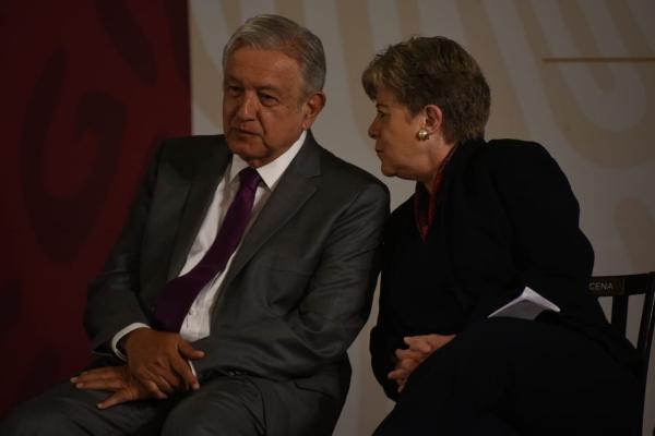 López Obrador y Alicia Bárcena durante La Mañanera. Foto: Daniel Ojeda