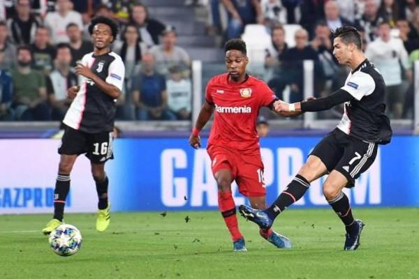 Juventus logró la goleada frente al Leverkusen con gol de Cristiano. EFE