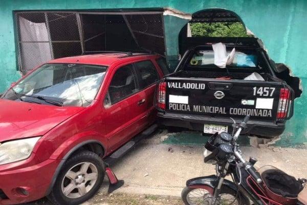 policia_mujer_choque_yucatan_casa_habitacion