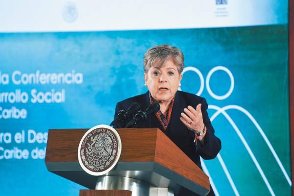 VISITA. Alicia Bárcena estuvo en la Conferencia Regional sobre Desarrollo Social de América Latina y el Caribe. Foto: Daniel Ojeda.