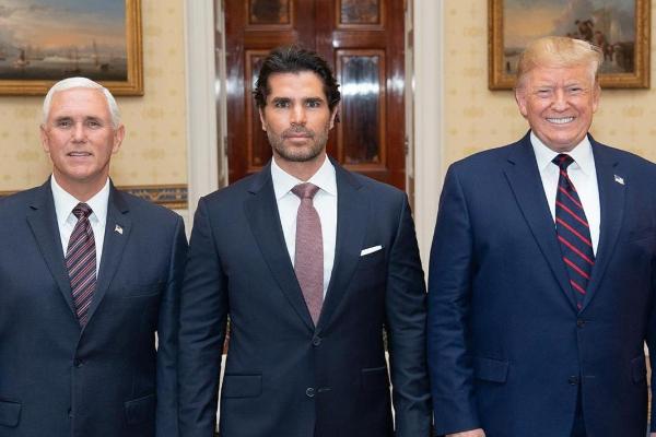 Eduardo Verástegui Donald Trump y Mike Pence (1)