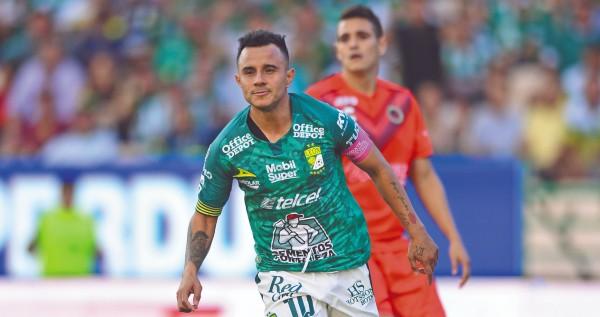 OPORTUNO. Luis Montes festejó el gol del empate ante Veracruz. Foto: Mexsport