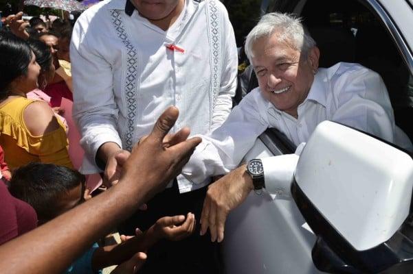 López Obrador durante su visita por Oaxaca. Cuartoscuro
