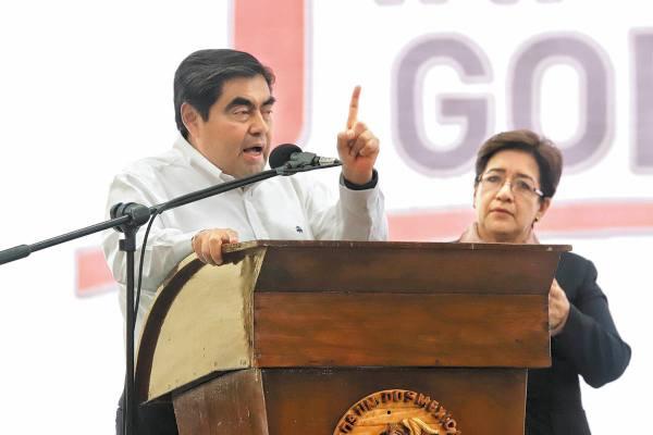 ACTO. Barbosa acompañó a Alondra Méndez Betancourt, presidenta municipal de Tepexi. Foto: Enfoque.